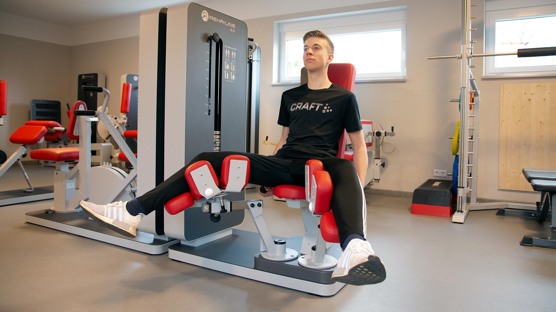 rhoenfit_fitnessstudio_geraete_beinpresse_bertsch_020319